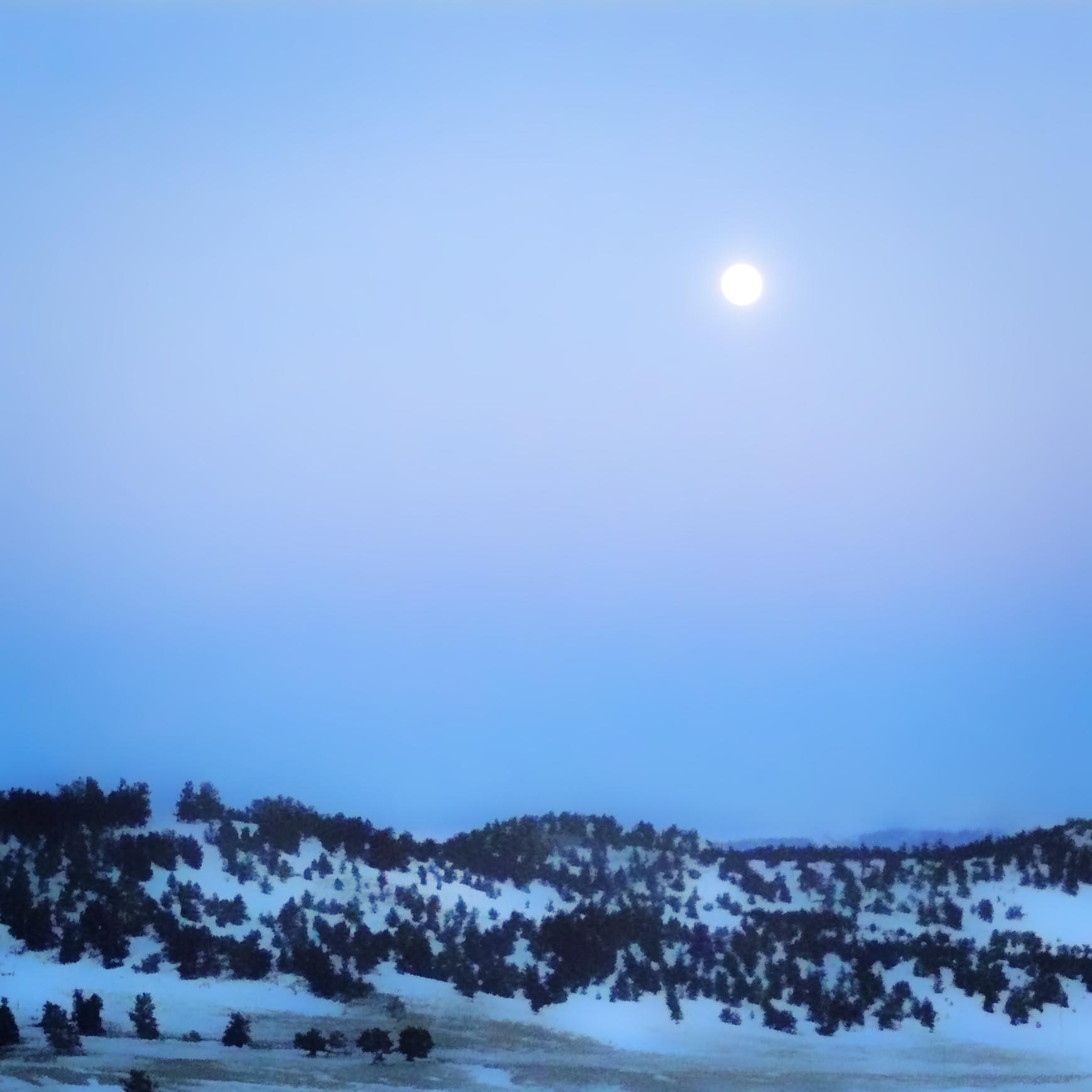 December_moon_1