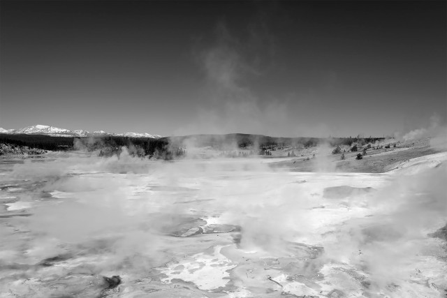 Yellowstone_BW_32987