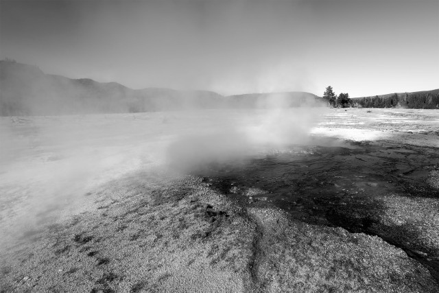 Yellowstone_bw_34198